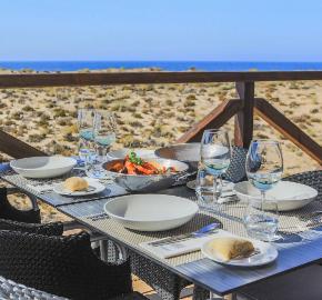 Restaurante on Beach