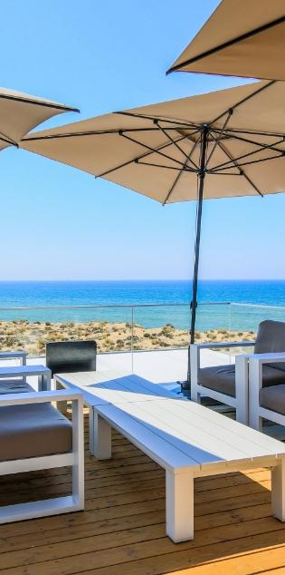 Restaurant Front Beach
